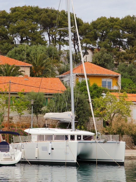 Catamaran Lagoon 400 (sails 2019)