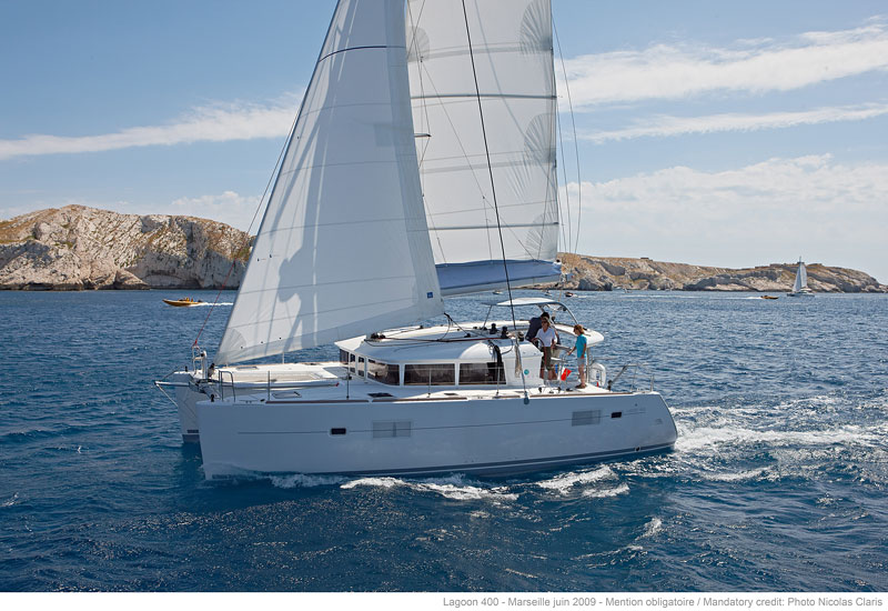 Catamaran Lagoon 400 S2 With A/C