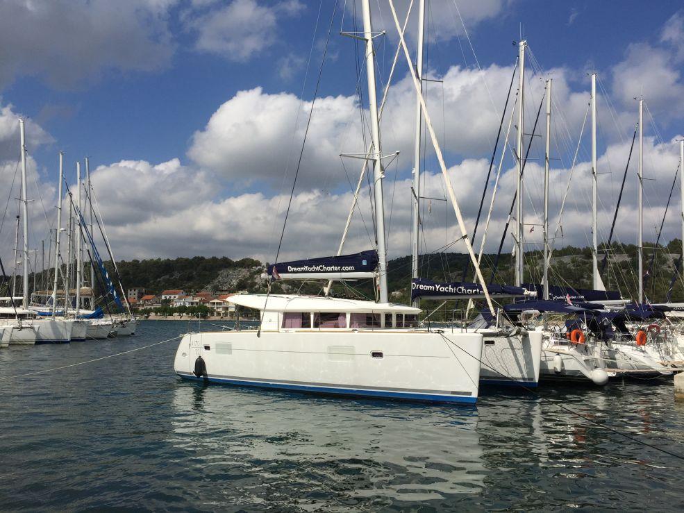 Catamaran Lagoon 400 S2 O.V.