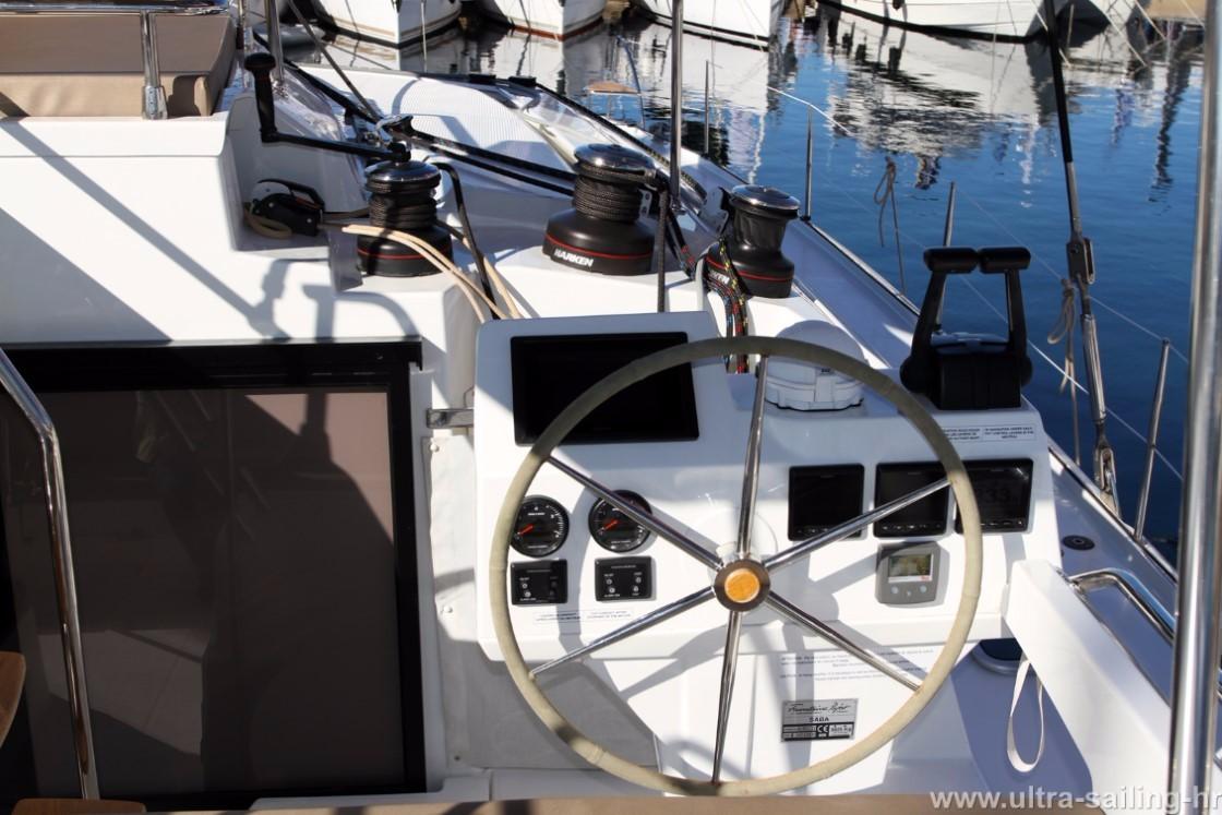 Catamaran Saba 50