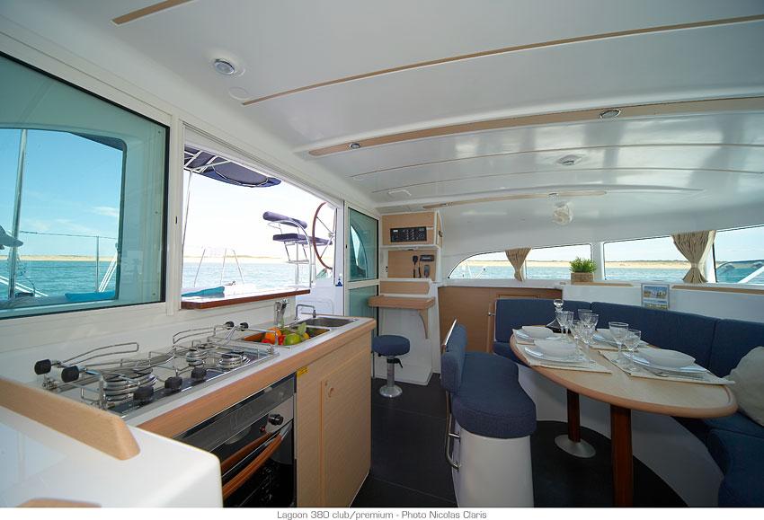 Catamaran Lagoon 380 S2