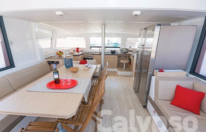 Catamaran Bali 4.3 AC & GEN
