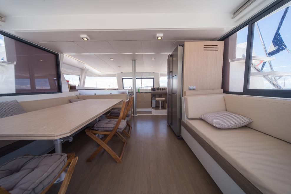 Catamaran Bali 4.3