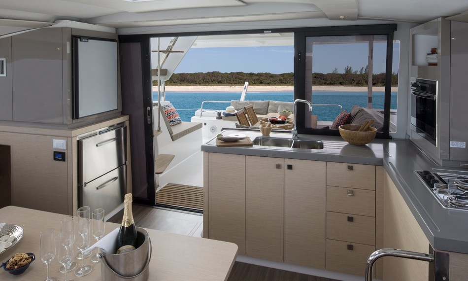 Catamaran Lucia 40 With Watermaker & A/C - PLUS