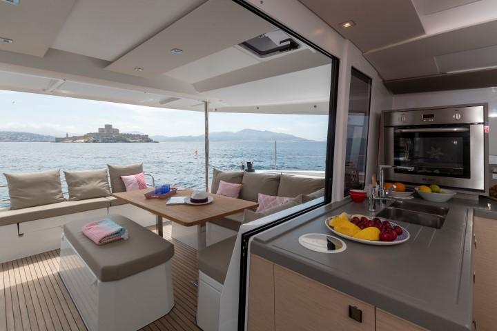 Catamaran ASTREA 42