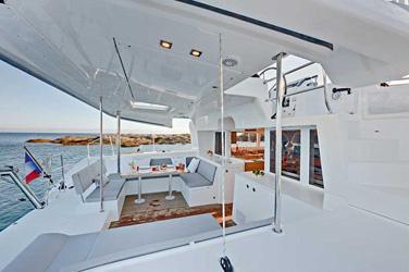 Catamaran Lagoon 450 O.V. With Watermaker & A/C - PLUS