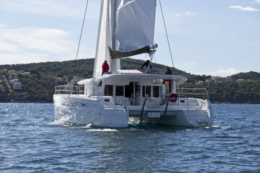 Catamaran Lagoon 450 F With A/C