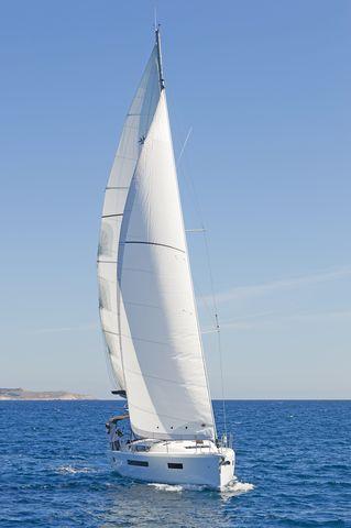 Monohull Sun Odyssey 490