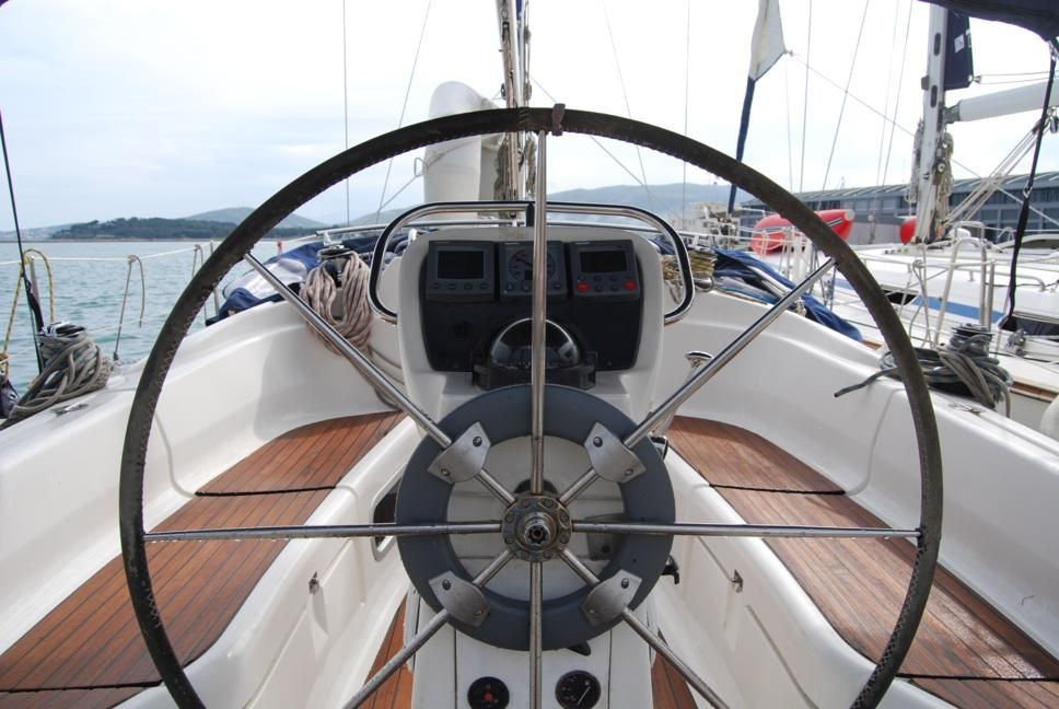 Monohull Bavaria 36 Cruiser (Owner's Version)